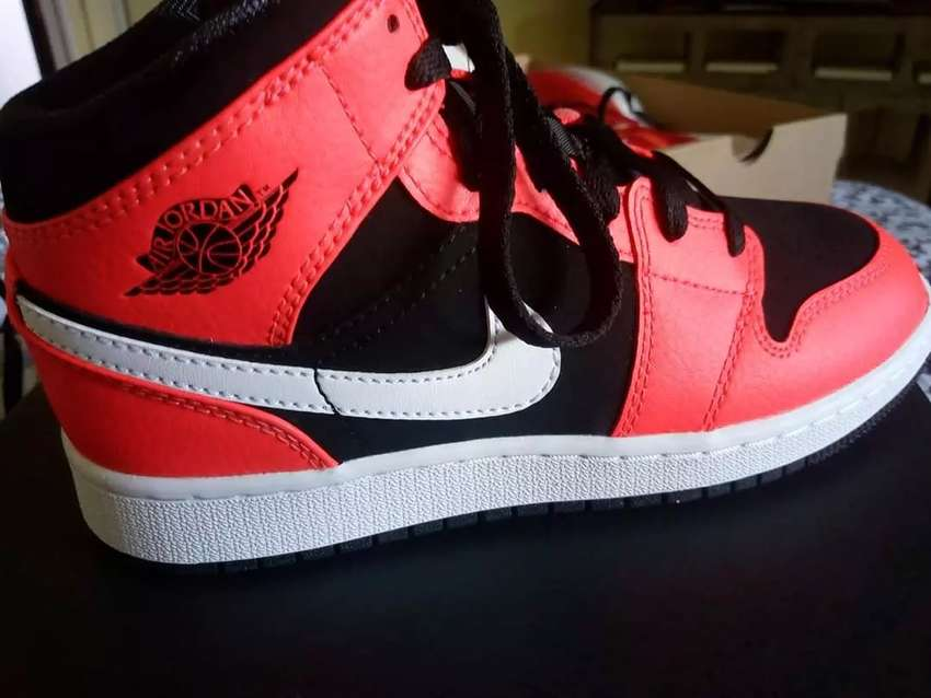Zapatillas Jordan 1 mid 0