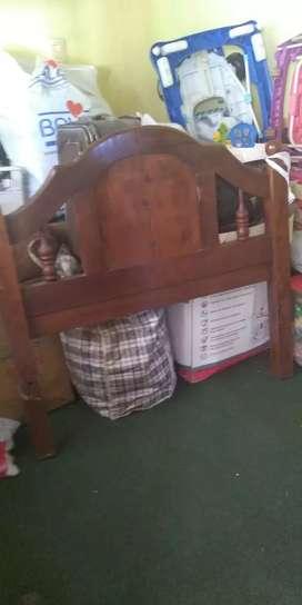 Cama de algarrobo plaza y media más colchón 3624