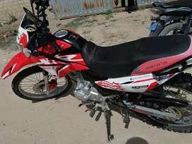 Vendo moto marca ronco motor 200