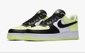 Nike Air Force 1 Barely Bolt Black