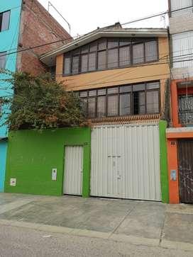 Venta de Casa de 03 Pisos 160 M² en Zarate, San Juan de Lurigancho