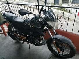 Se vende moto Rtx unishok 150 negociable