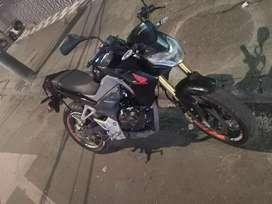 Hermosa moto prácticamente nueva...