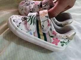 Zapatos marca H&M