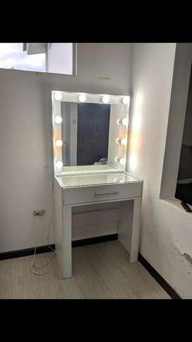 Mueble para Maquillaje (maquilladora)
