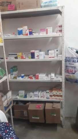 Se necesita una srta auxiliar de farmacia  con experiencia