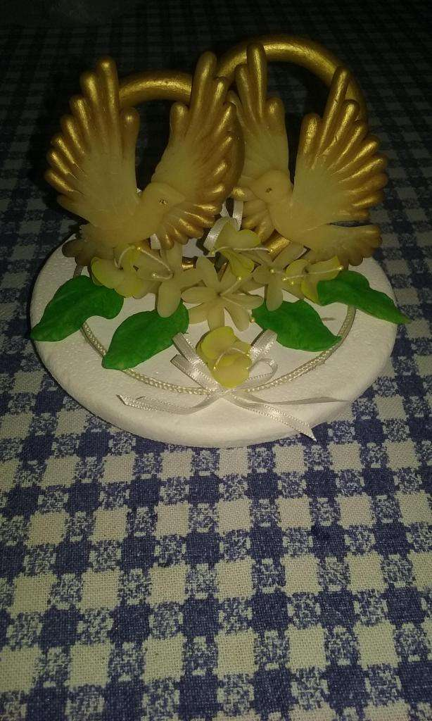 Adorno en porcelana fría para torta de 2 palomas 0