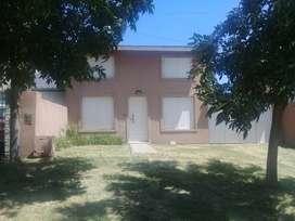 Necochea Zona Parque Dueño  vende casa 3 dorm. 2 baños. Grarage/parrilla