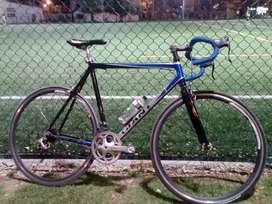 Bicicleta giant aluminio rueda delantera mavic con manazana campagnolo