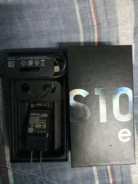 Vendo mi s10e menos 1 mes de uso con garantia de 1 año de tienda claro
