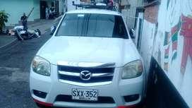vendo camioneta Mazda BT50 4x4 modelo 2011 publica a gas y gasolina con trabajo