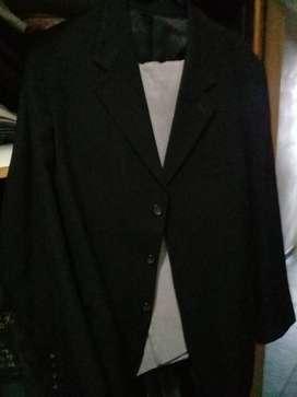traje negro pantalón y saco