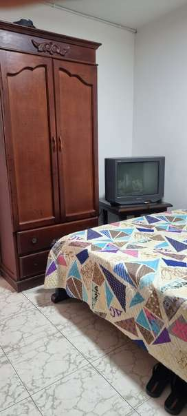 Se arrienda habitacion amoblada con todo incluido lavado de ropas y buena comida!