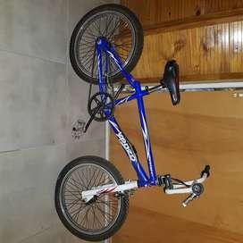 Bicicleta freestyle Marca Venzo Inferno r20 usada