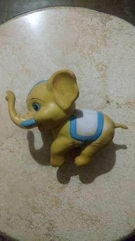PIURA: Juguete para niños - Elefante Plástico color amarillo.