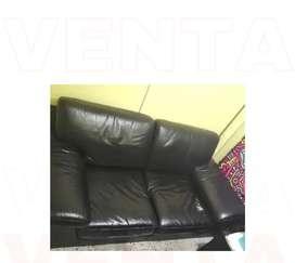Mueble cuero negro