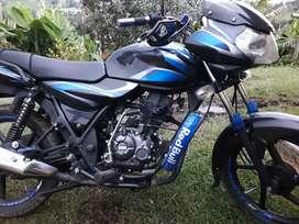 Se vende exelente moto discober 100