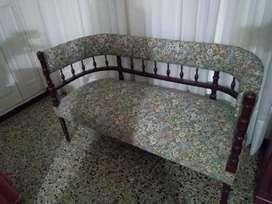 Muebles,más de 100 Años de Antigüedad.