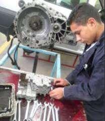 ayudante , operario de mecanico automotriz o maquinaria amarilla