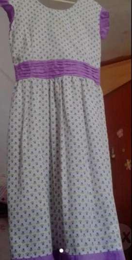 Vestido para niña talla 12 semi nuevo