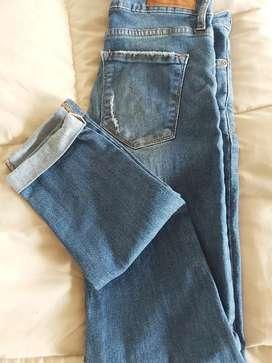 Jeans elastizado talle 26. Casa blanca