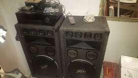 se vende amplificador marca RCA, 2 columnas de 15'' y mezcladora marca gemini de 2 canales