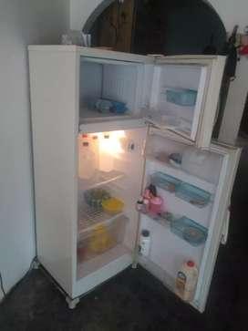 Vendo nevera que hace hielo marca centrales