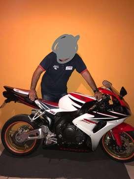 Vendo Honda CBR 1000 FIreblade