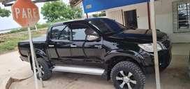 Toyota Hilux 4x2 mecánica a gasolina excelentes condiciones