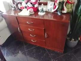 Mueble estilo americano en madera flor morado