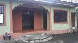 Se vende casa en Bucay con 375 metros cuadrados. Precio negociable