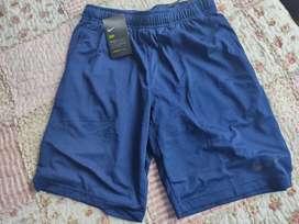 Remato Shorts Nike original, nuevo y con etiquetas talla S