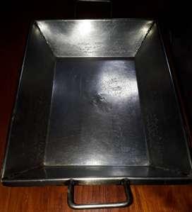 vendo asadera / fuente de acero inoxidable grueso , resistente