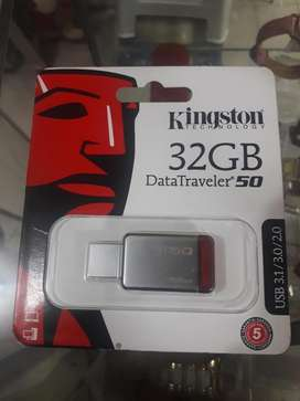 Ucb Metalico Kingston de 32gb