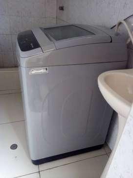 vendo lavadora Daewoo de 16 Kg.