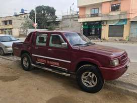 Se vende Camioneta Mazda  año 1998