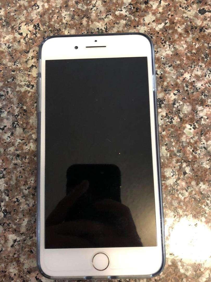 Vendo iphone 8 plus de 64 gb 0