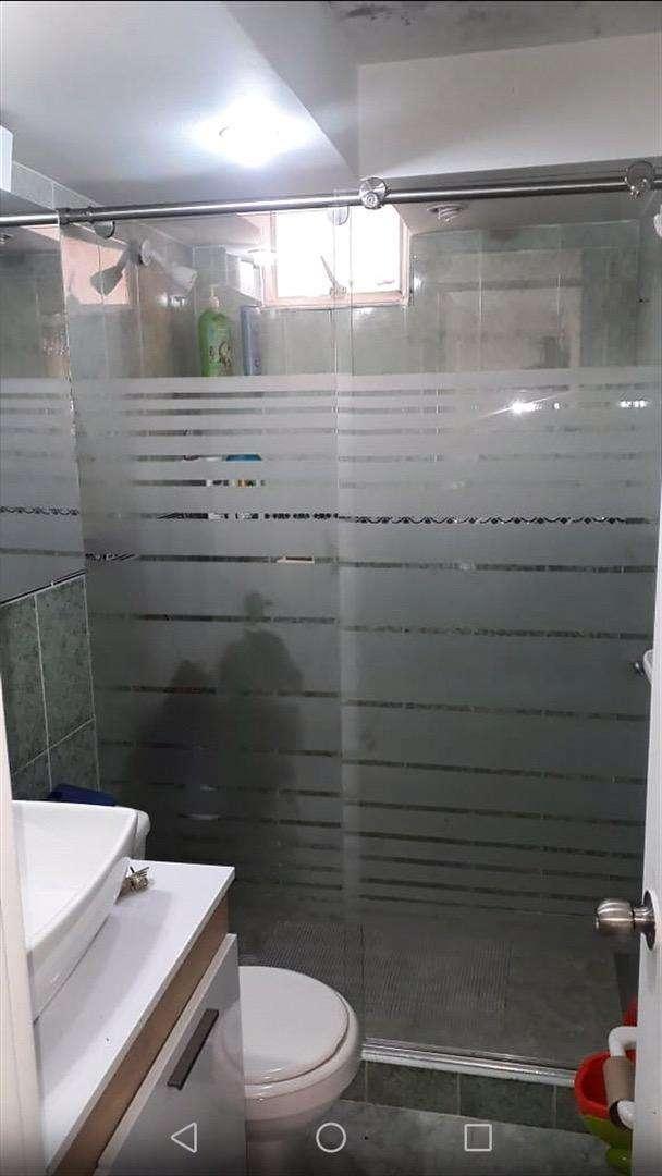 Divisiones para baño en vidrio templado 0