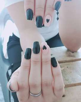 Acrilicas,Manicure y Pedicure