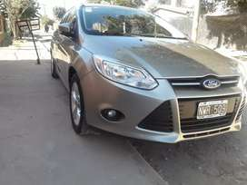 VENDO IMPECABLE FORD FOCUS 3..