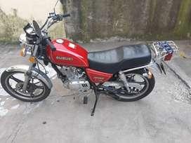 Suzuki - 125 cc - 15600 Km - Bordó - Muy buen estado - papeles al día - único dueño