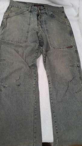 Jeans Narrow, Insomnio. Como nuevos