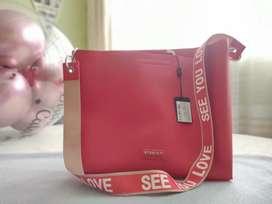 Hermoso bolso rojo Studio F