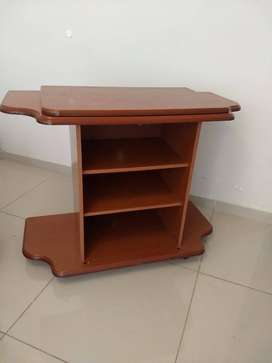 Mueble para TV de melamina con estantes y base giratoria