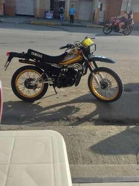 Se vende o se cambia con otra moto mas dinero a mi favor