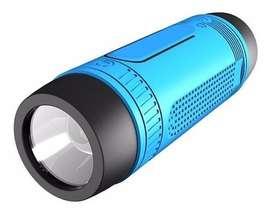 Parlante Linterna Ciclismo Bluetooth Mp3 Radio Cargador Agua