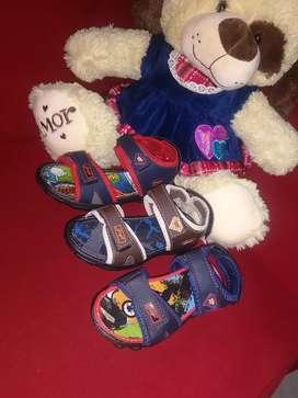 Sandalias para niño y niña