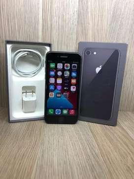 Vendo iPhone 8 semi nuevo 64gb