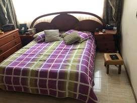 Se vende cama , con nocheros y cajonera en excelente estado negociable