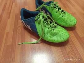 Guayos Adidas talla 34